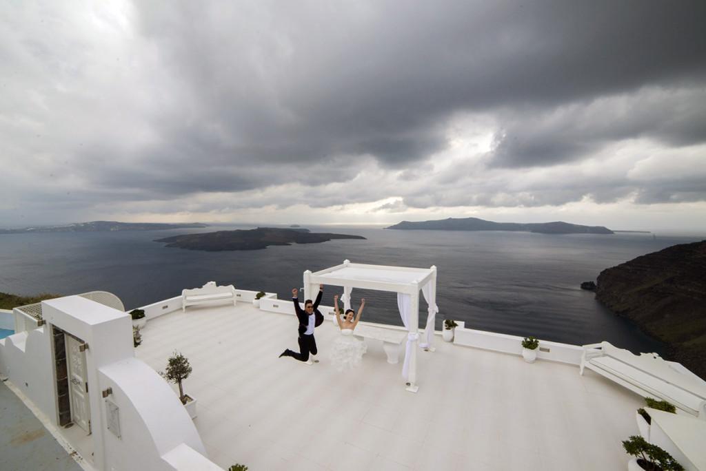 Wedding photographer Dana Villas Santorini Greece