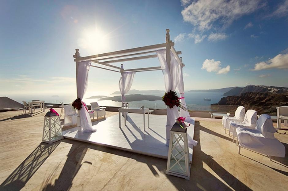 wedding in santorini caldera