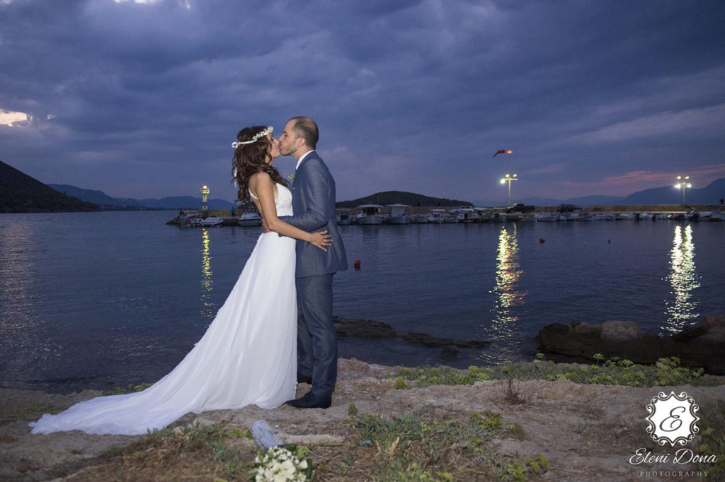 Wedding photographer beach wedding Santorini Greece