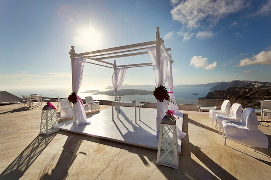 wedding in santorini caldera